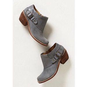 Latigo Prana Blue Gray Leather Buckle Booties 8.5M